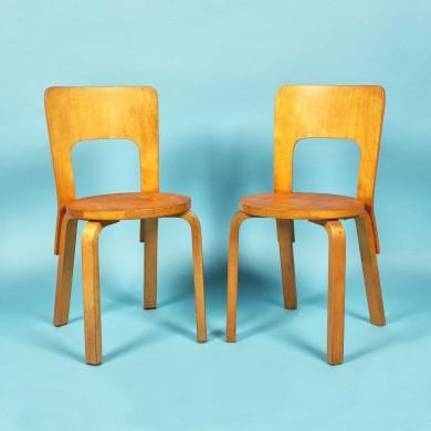 Pereche de scaune model 66