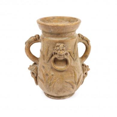Vas din ceramică, decorat cu dragoni, perioada dinastiei Yuan, probabil Longquan, China, sec. XII-XIII