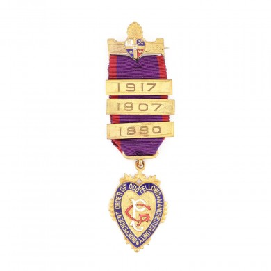 "Ordin masonic al ""Independent Order of Oddfellows"", prezentat lui A.H. Collins de către loja ""The Duke of Devonshire"" nr. 5056, pentru funcţia Past Grand Master 1906"