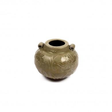 Vas miniatural din ceramică, cu anse, cu glazură celadon, decorat cu motive vegetale în relief, perioada Song/Yuan, China, sec. XI-XIII