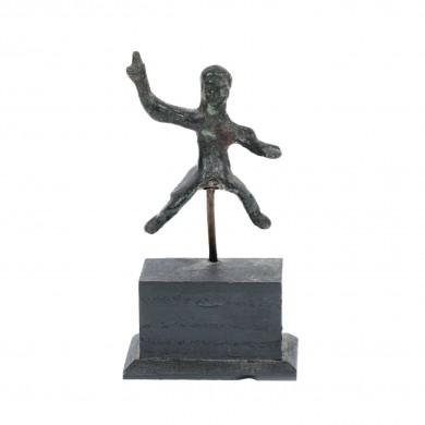Figurină din bronz, ilustrând un călăreț pregătindu-se să arunce sulița, Mesopotamia, sfârșitul mileniului I î.e.n.