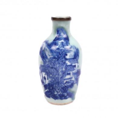 Vas din porţelan, decorat cu scena unui sat de munte, dinastia Qing, China, sec. XVIII