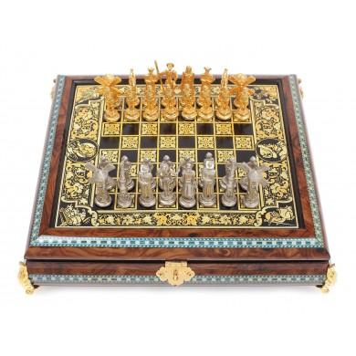 "Joc de șah de mici dimensiuni, sculptat din lemn de trandafir, piese aurite, cu tematică ""Don Quijote de la Mancha"""