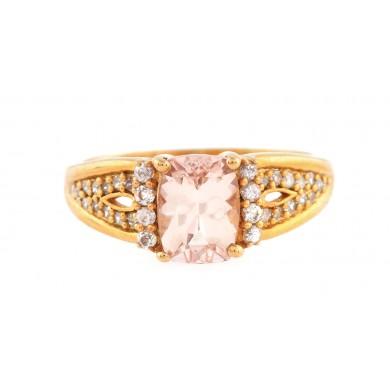 Inel din argint aurit, decorat cu morganit, safire albe și diamante