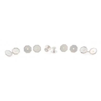 Set format din butoni și nasturi din aur alb, decorat cu sidef și perle, în cutie originală