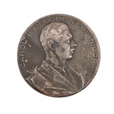 """Medalie """"Votarea Constituţiei la 24 Februarie 1938"""", gravori Ion Jalea şi Gh. Stănescu"""