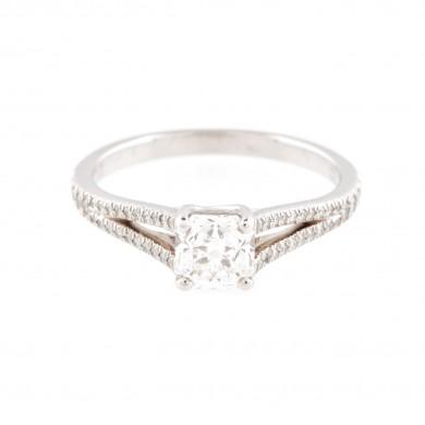Inel Tiffany, model Lucida, din platină, ornat cu diamante