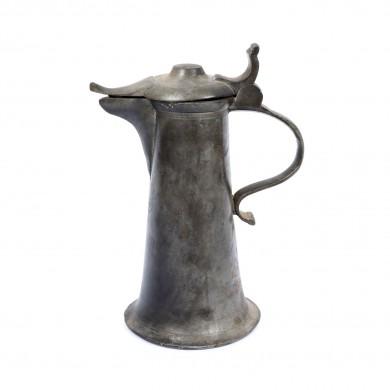 Cană pentru apă, sfârșitul sec. XVIII, provine din colecţia Lucrezia și Ion Pacea