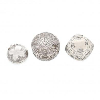 Trei cutii miniaturale, din argint, pentru condimente, prima jumătate a sec. XX