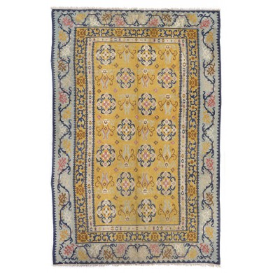 Boyar wool rug from Muntenia decorated with floral motifs, the beginning of the 20th century