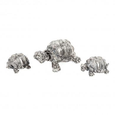 Trei figurine miniaturale din argint, în forma unor țestoase