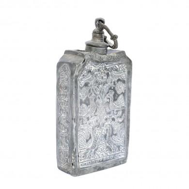 Recipient pentru lichide (butelcă de egumen), decorat cu motive vegetale și animaliere, 1728, piesă rară, provine din colecţia Lucrezia și Ion Pacea