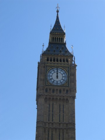 Big Ben strikes at mid-day