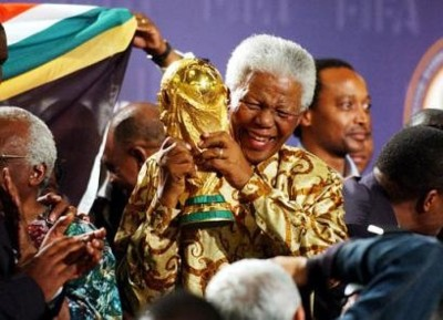 Mr Mandela with the World Cup