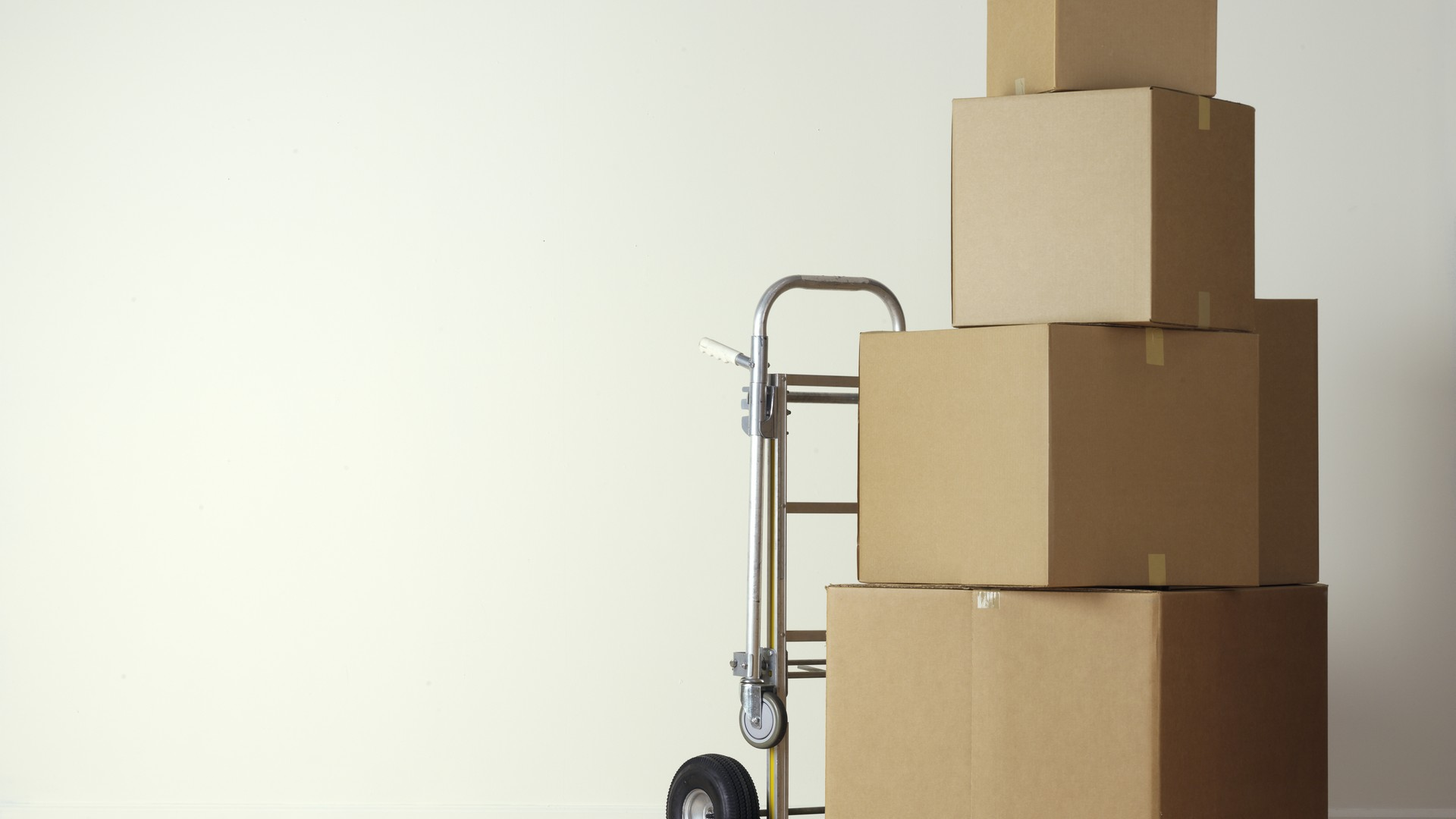 TIPS FOR PACKING AND MOVING QUICKLY