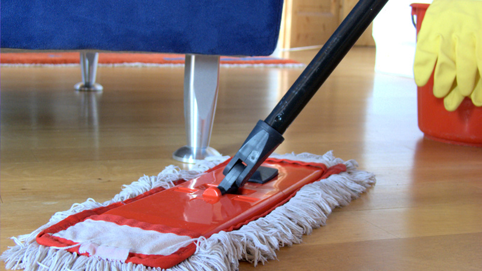 KEEP YOUR HOME TIDY YEAR-ROUND WITH THIS QUICK TIP