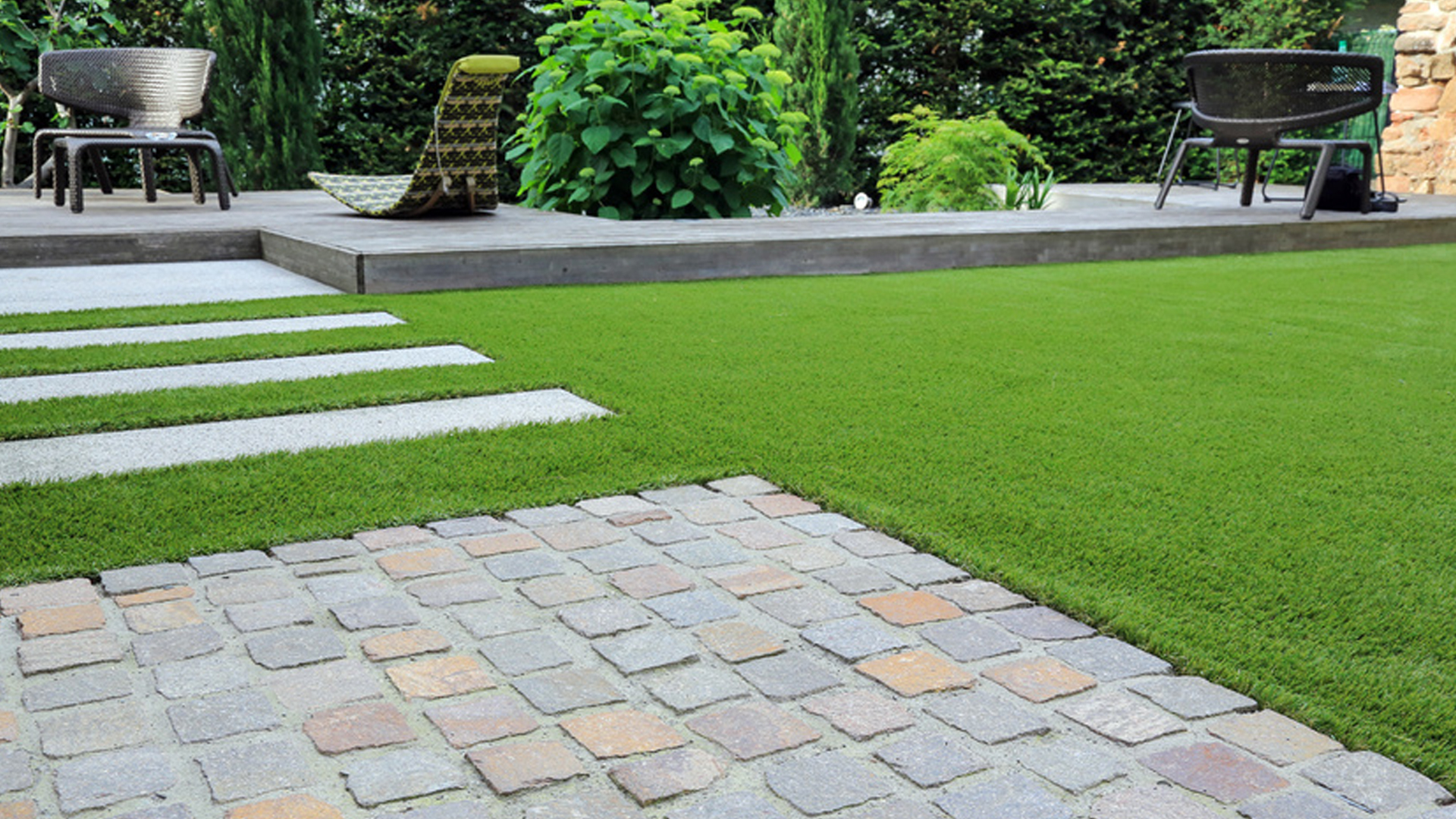 SHOULD I REPLACE MY GRASS WITH ASTROTURF?