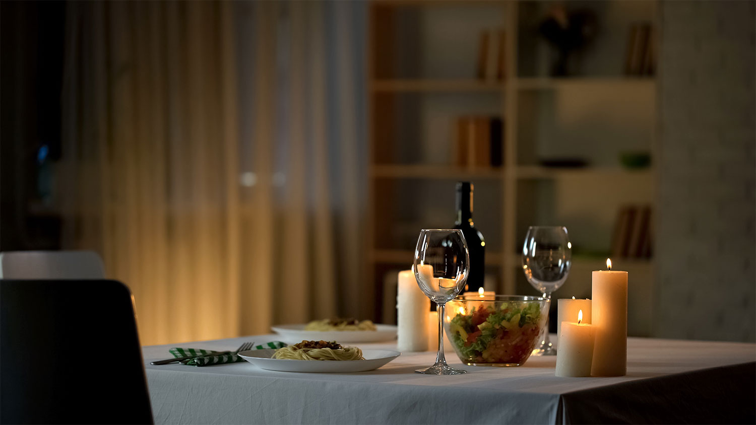 FUN IDEAS FOR AT-HOME DATE NIGHT ON A BUDGET