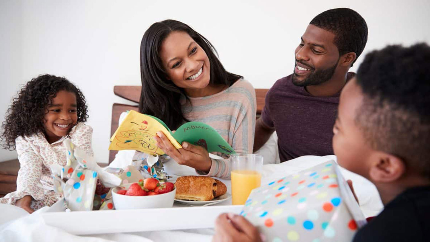 HOW TO TREAT MOM AT HOME THIS MOTHER'S DAY
