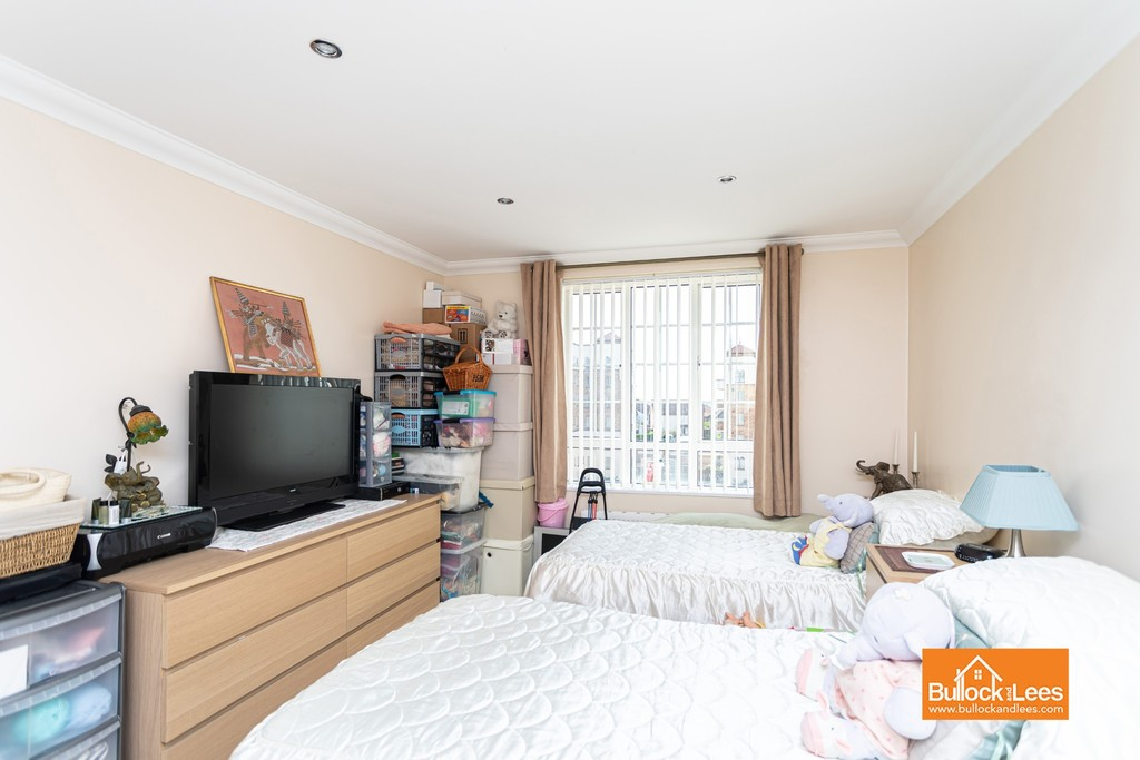 San Remo Towers, Sea Road,BH5 1JT