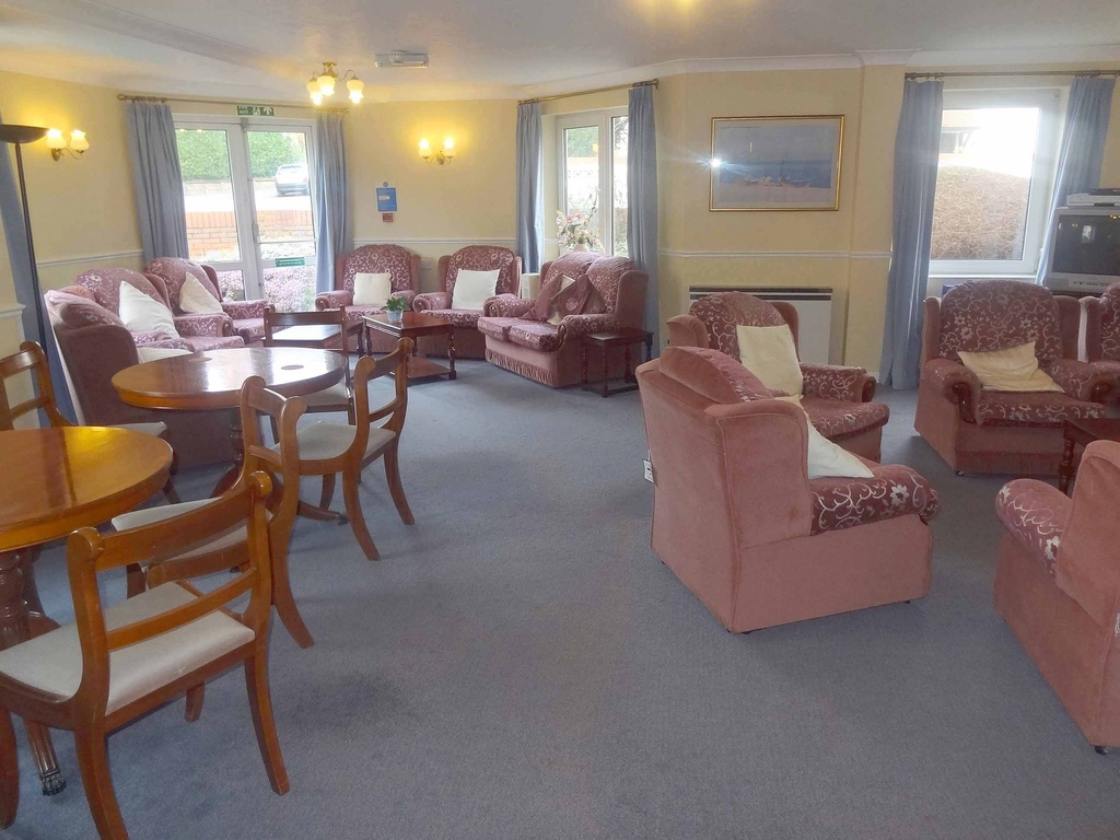 Retirement Flat, Sea Road, Bournemouth