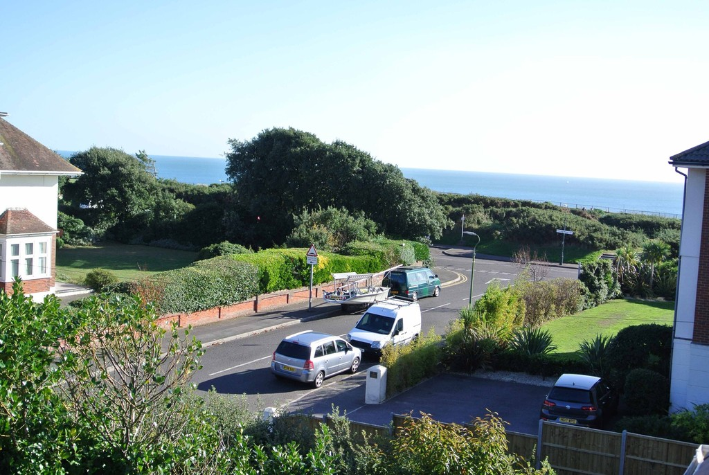 Browning Avenue, Bournemouth, BH5