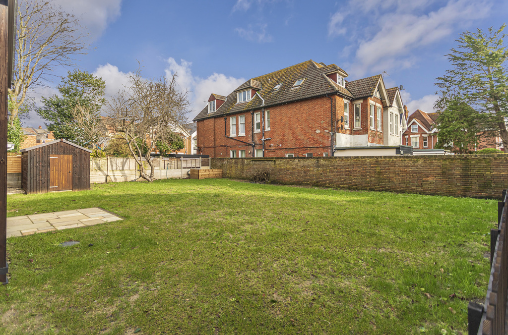 Wharncliffe Road, Bournemouth, BH5 1AH