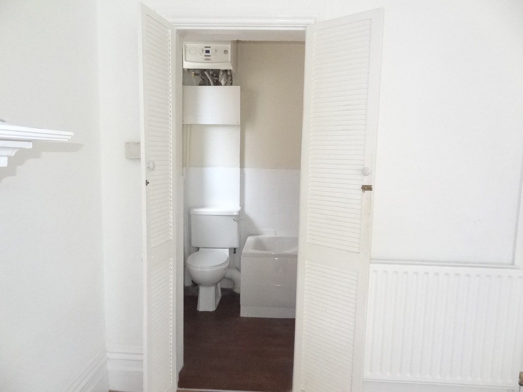 28 Crabton Close, Bournemouth, Dorset, BH5 1HN
