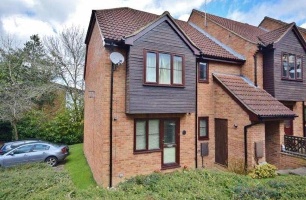 Linton Close, Tadley, Hampshire, RG26