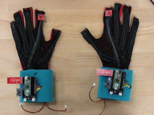 SignAloud-gloves-1024x767