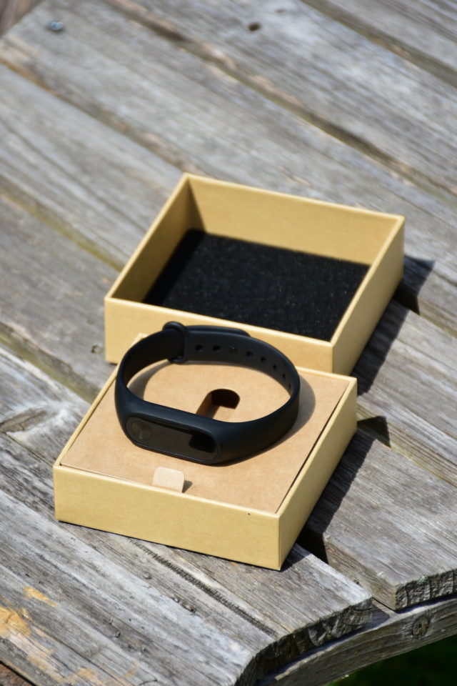 xiaomi mi band 2 packaging unboxed