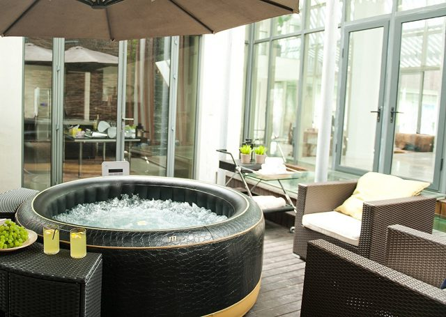 MSpa Luxury Exotic Outdoor Hot Tub Spa