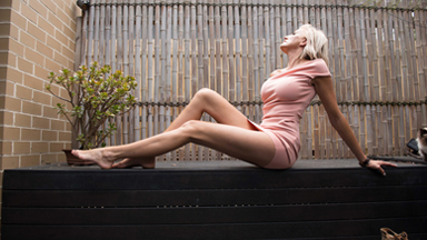 Mummy Long Legs: Ex Model Bids For World's Longest Legs