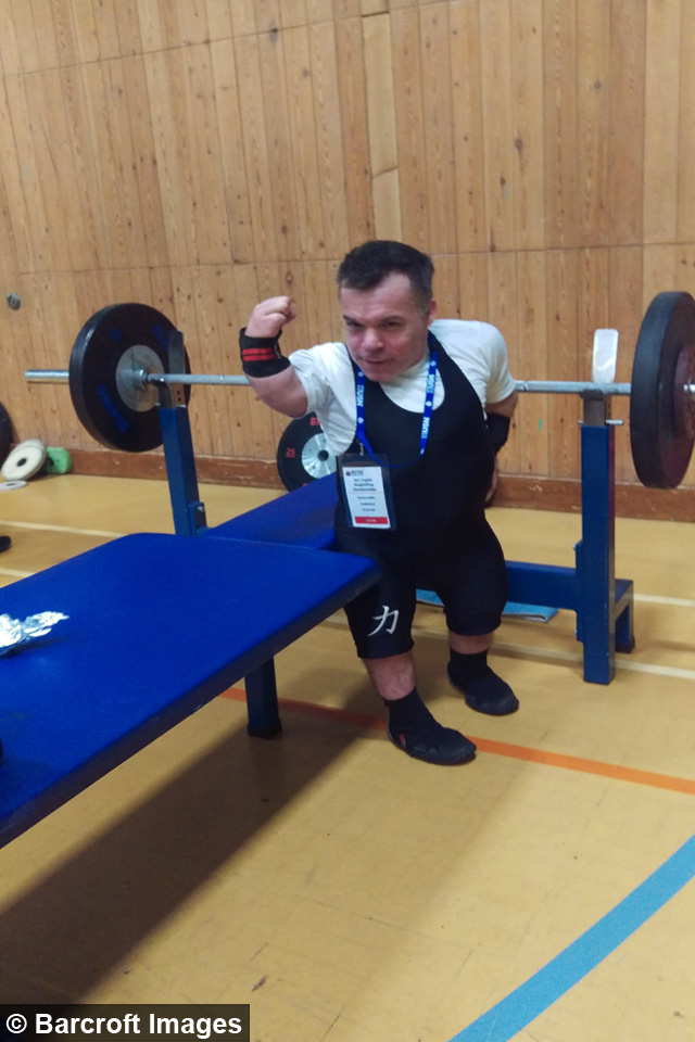 Dad With Dwarfism Powerlifting His Way To 2020 Paralympics