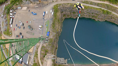 Long Way Down: 73-Year-Old Bungee Jumper Makes Record-Breaking Leap