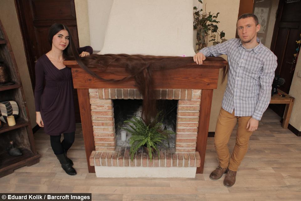 real life rapunzel has 90 inch long hair. Black Bedroom Furniture Sets. Home Design Ideas