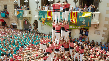 360 Child Climbs Historic Human Tower