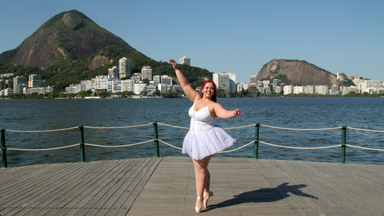 Breaking Barriers: Plus-Size Ballerina Is On 'Pointe'