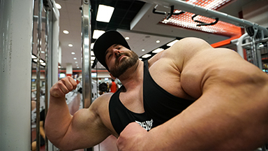 'Toothpick' Student Gains 200lbs Of Pure Muscle