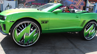 Wheely Big! Green Camaro Has 32-Inch Rims
