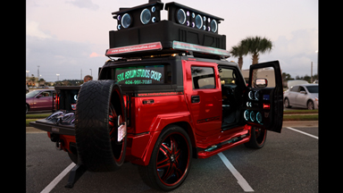 World's Loudest Hummer Boasts 86 Speakers
