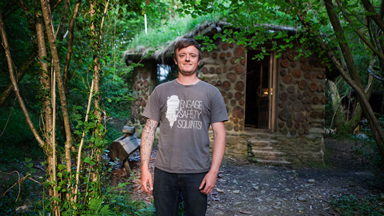 I Quit The City To Build My Hobbit House