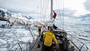 Journey to Antarctica: Photographer sails to the bottom of the earth in three week expedition