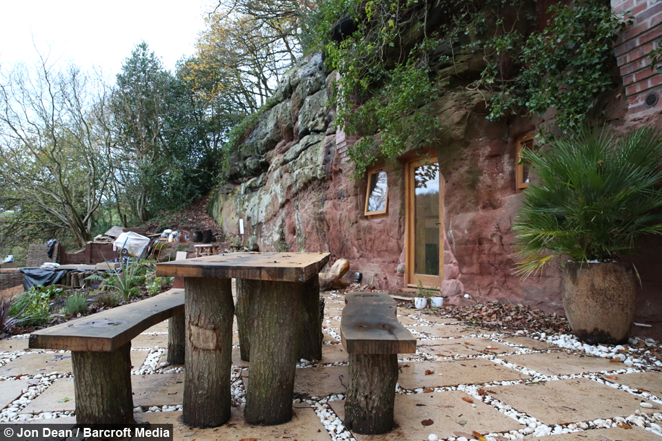 Remarkable Rock Solid Man Spends 160 000 Building Flintstones Style Home Interior And Landscaping Staixmapetitesourisinfo