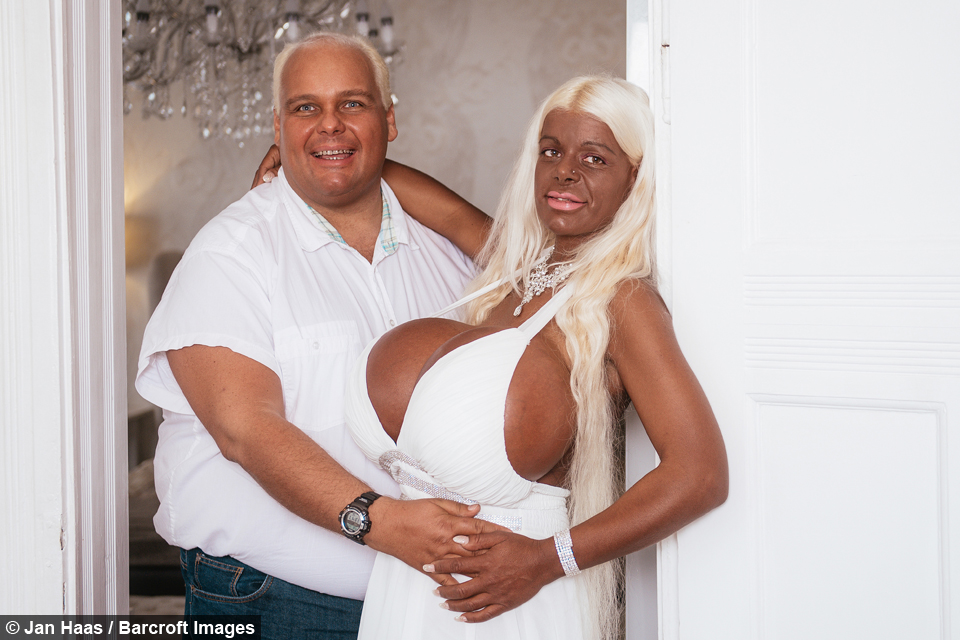 Bilderesultat for martina big with boyfriend