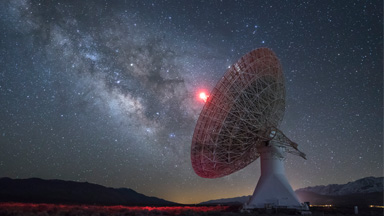 Another Planet: Otherworldly Images of Death Valley's Stunning Milkyway And Observatory