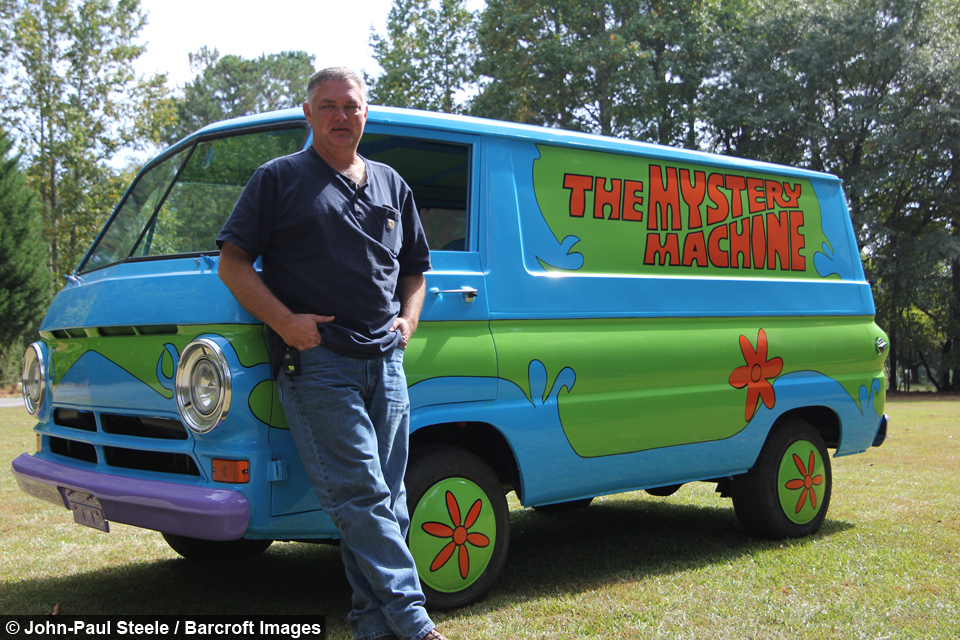 Movie buff builds scooby doo 39 s 39 mystery machine 39 - Race de scooby doo ...