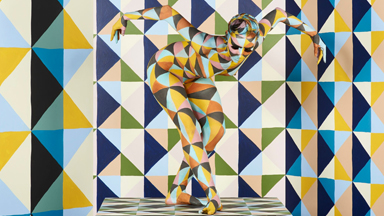 Artist Creates Geometric Illusions Using Naked Models