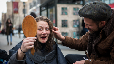 #DoSomethingForNothing: Hairdresser And Vet Team Up To Help London's Homeless of London