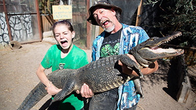 13-Year-Old Girl Wrangles Deadly Gators